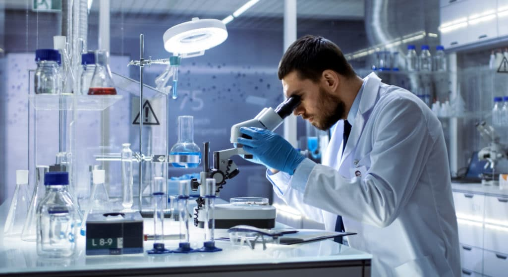 Τα αποτελέσματα μία φάσης 1 μελέτης που δημοσιεύτηκαν στο διεθνές έγκριτο περιοδικό «the Lancet Infectious Diseases» δείχνουν ότι ένα εισπνεόμενο συζευγμένο με αδενοϊό COVID-19 εμβόλιο (Ad5-nCoV) ήταν καλά ανεκτό και είχε παρόμοια αντισωματική απάντηση και κυτταρική ανοσία με τον ενδομυϊκό εμβολιασμό.