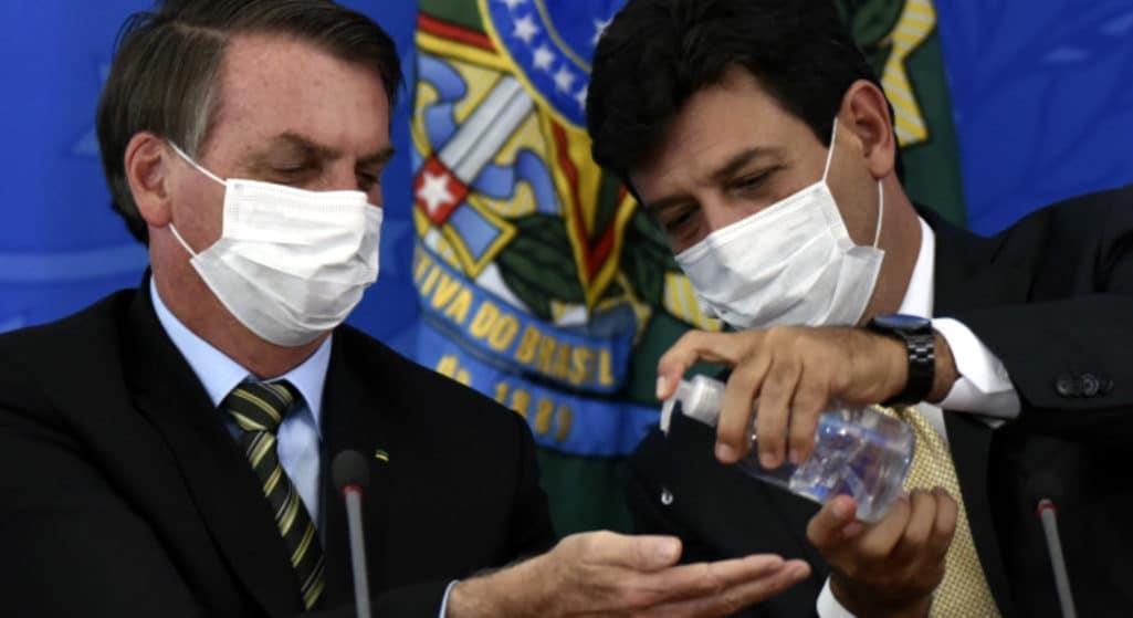Καρατομήθηκε ο υπουργός Υγείας της Βραζιλίας εν μέσω πανδημίας
