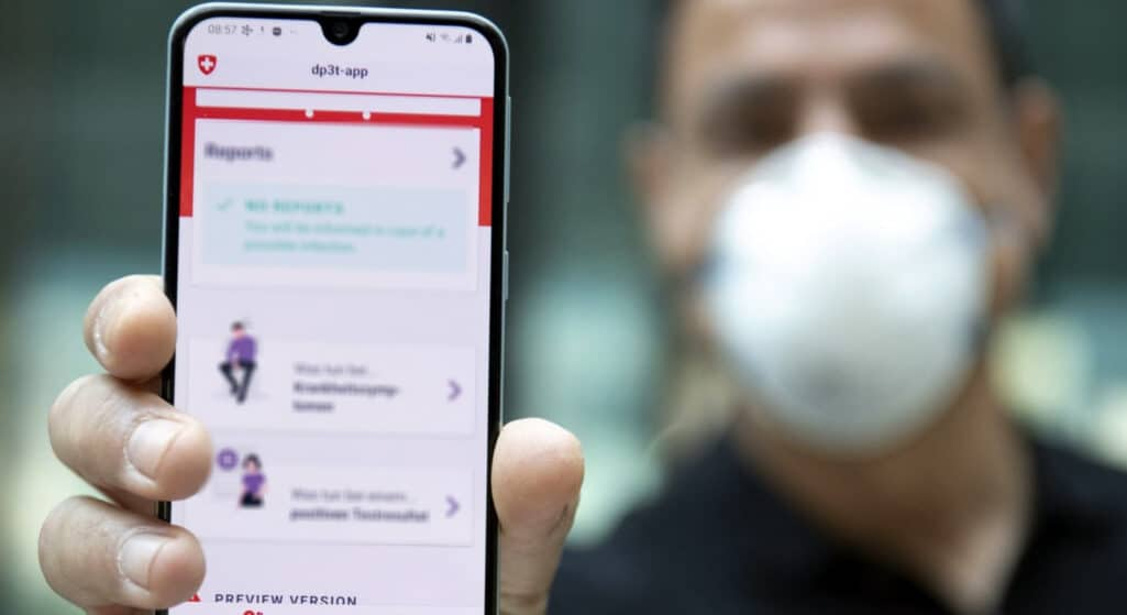 Τις τελευταίες ημέρες έχουν πληθύνει οι καταγγελίες για μια νέα μέθοδο εξαπάτησης των πολιτών που έχουν επινοήσει επιτήδειοι, που δρουν μέσω αποστολής SMS στα κινητά, για να αντλήσουν τα δεδομένα του χρήστη.