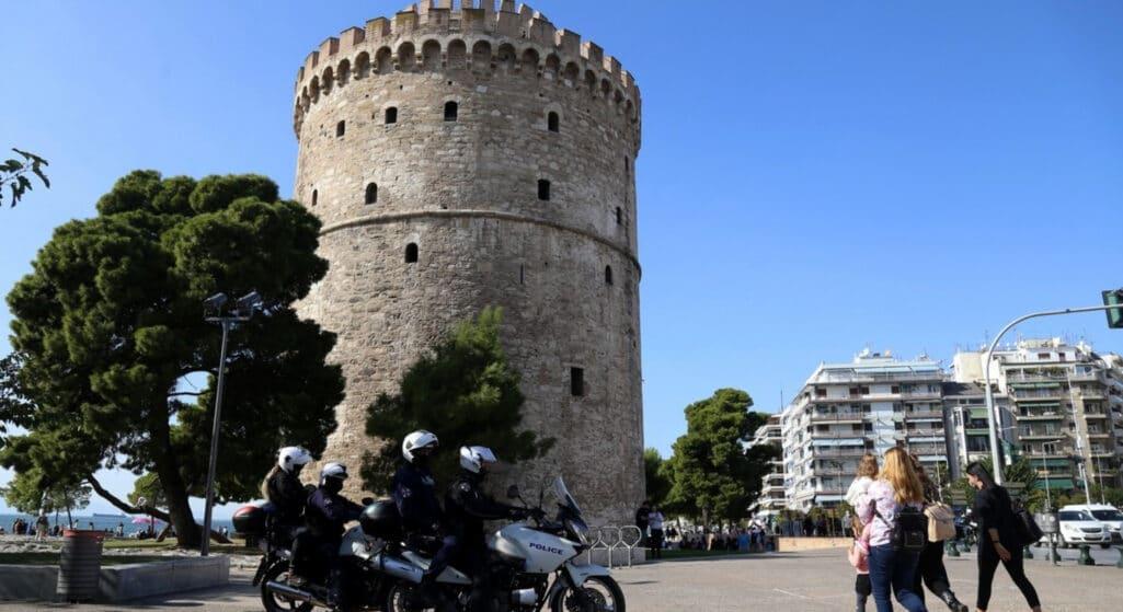 Στη Θεσσαλονίκη μεταβαίνουν εκτάκτως αύριο Τετάρτη ο υπουργός Υγείας, Θάνος Πλεύρης και η υφυπουργός Μίκα Γκάγκα προκειμένου να πραγματοποιήσουν σύσκεψη με 14 δημάρχους και υγειονομικούς φορείς μετά τη ραγδαία αύξηση των κρουσμάτων κορωνοϊού, αλλά και των εισαγωγών ανεμβολίαστων στις ΜΕΘ των νοσοκομείων.