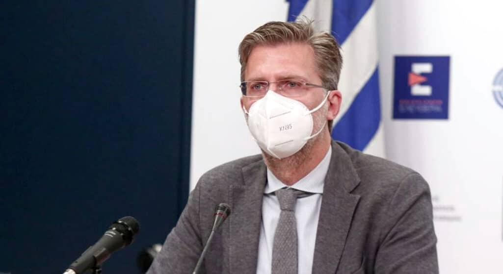 Δεν υπάρχει κανένα ενδεχόμενο παράτασης της υποχρεωτικότητας των εμβολιασμών στα νοσοκομεία, όπως διεμήνυσε ο υπουργός Επικρατείας Άκης Σκέρτσος, υπογραμμίζοντας πως η υποχρεωτικότητα θα ξεκινήσει κανονικά από 1ης Σεπτεμβρίου,
