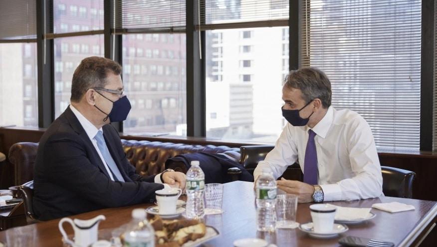 Η πρόεδρος των επενδύσεων της Pfizer στη Θεσσαλονίκη εξετάστηκε κατά τη συνάντηση που είχε ο πρωθυπουργός, Κυριάκος Μητσοτάκης, με τον διευθύνοντα σύμβουλο της βιο-φαρμακευτικής εταιρείας, Άλμπερτ Μπουρλά, στη Νέα Υόρκη.