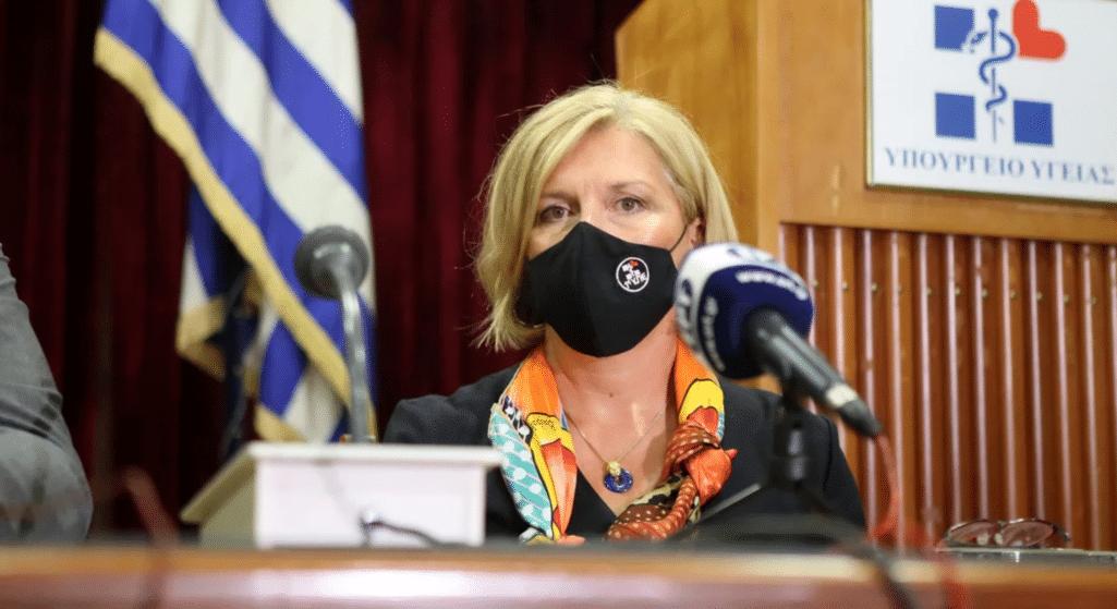 Απάντηση στην κόντρα που ξέσπασε ανάμεσα σε γιατρούς των πανεπιστημιακών κλινικών και της Ένωσης Ιατρών Νοσοκομείων Αθήνας-Πειραιά (ΕΙΝΑΠ) για τη νοσηλεία ασθενών με κορωνοϊό έδωσε η αναπληρώτρια υπουργός Υγείας, Μίνα Γκάγκα.