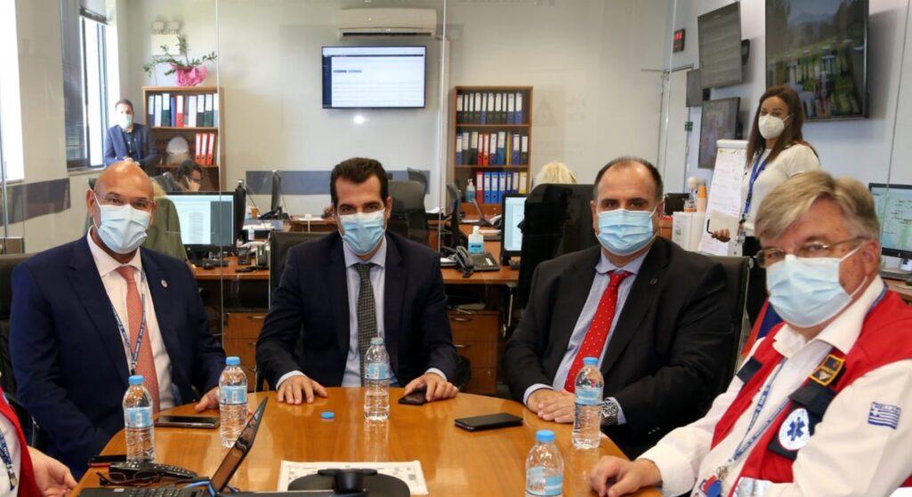 ΤΟ ΕΚΑΒ επισκέφθηκε ο υπουργός Υγείας, Θάνος Πλεύρης, όπου ενημερώθηκε από τον Πρόεδρο του, Νίκο Παπαευσταθίου για τον επιχειρησιακό ρόλο του Οργανισμού στη διαχείριση περιστατικών Covid-19 καθώς και των επειγόντων περιστατικών σε πανελλαδικό επίπεδο.