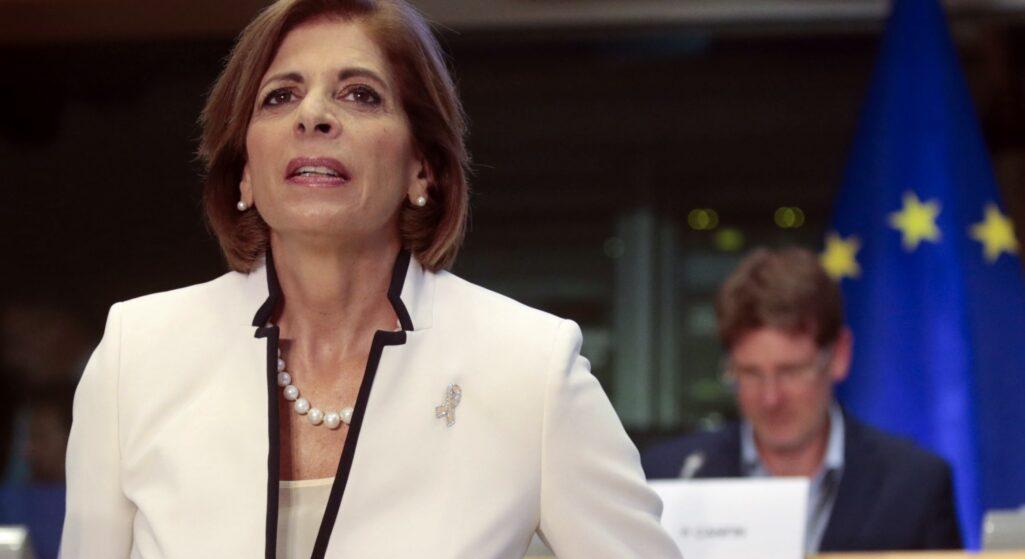 Τον κίνδυνο για μια πανδημία των ανεμβολίαστων εάν δεν προχωρήσουν οι εμβολιασμοί, επισήμανε η επίτροπος Υγείας και Ασφάλειας Τροφίμων, Στέλλα Κυριακίδου, κατά τη συνέντευξη Τύπου μετά την ολοκλήρωση του άτυπου συμβουλίου των υπουργών Υγείας της ΕΕ, στο Μπρντο της Σλοβενίας.